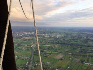 Ballonvaart over Barneveld: ontdek de Gelderse Vallei van bovenaf